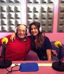 Carlota en la radio